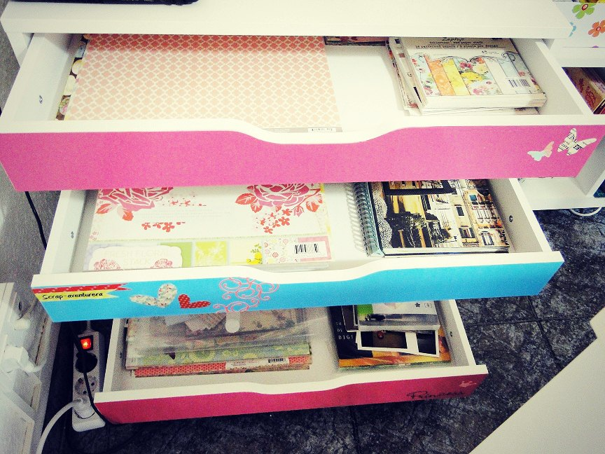 Scrapbooking rooms 2013 joy studio design gallery best - Organizador de cajones ikea ...