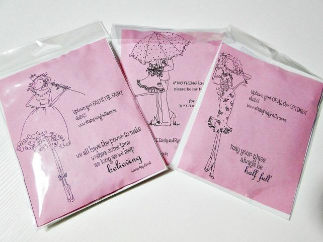 Usaremos sellos Stampingbella de la colección UptownGirls para decorar nuestras páginas scrapbook!