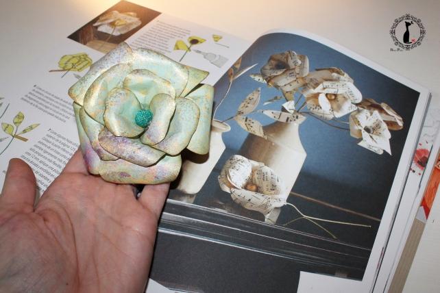Cómo hacer una rosa de papel 18