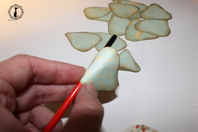 Cómo hacer una rosa de papel 8