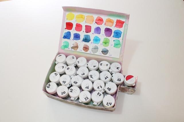 Caja 24 colores Brusho Crystal Colour 4
